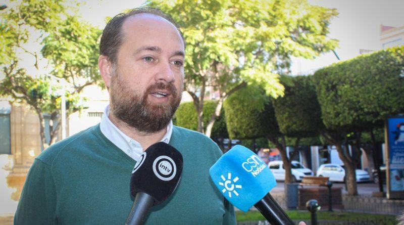 """Herrera: """"Sánchez viene a Andalucía con pajarita y esmoquin pero nos sigue negando los 537 millones que nos debe"""""""