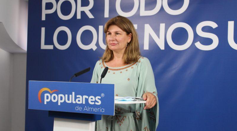 """Rosalía Espinosa: """"Almería recibirá del Gobierno andaluz como mínimo 1 millón de euros en ayudas para el pequeño comercio y artesanos"""""""