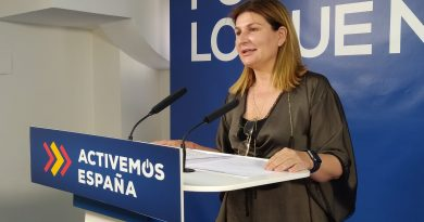 Espinosa afirma que los almerienses ahorrarán unos 40 millones de euros con la bajada masiva de impuestos del Gobierno andaluz